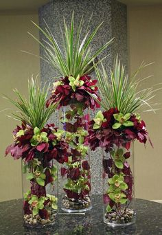 Green and purple orchids in multiple vases modern flower arrangement Arte Floral, Deco Floral, Amazing Flowers, Silk Flowers, Beautiful Flowers, Purple Flowers, Purple Orchids, Yellow Roses, Floral Flowers
