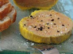 Le foie gras maison facile - Recette de cuisine Marmiton : une recette Tapas, Xmas Dinner, Mets, Creative Food, Food Inspiration, Appetizer Recipes, Food Porn, Food And Drink, Recipes