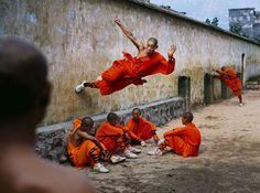 Shaolin Monastery. Hunan Province, China. 2004. © Steve McCurry / Magnum Photos
