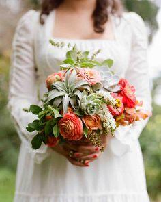 Bridal Bouquet in Succulents: 25 Ideas for Unique Floral Wedding Deco Summer Wedding Bouquets, Bride Bouquets, Floral Wedding, Fall Wedding, Wedding Flowers, Martha Stewart Weddings, Bouquet Succulent, Orchid Bouquet, Deco Floral