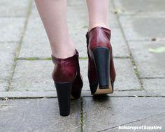 http://raindropsofsapphire.com/2013/08/19/my-new-chloe-burgundy-platform-booties/
