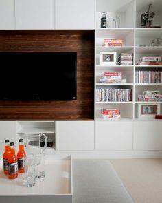 tv schrankwand regale bücher weiß platten
