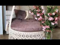 Macrame Projects, Diy Projects, Macrame Hanging Chair, Free Macrame Patterns, Retail Shelving, Chair Pictures, Macrame Tutorial, Hanging Shelves, Swinging Chair