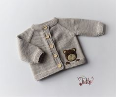 Baby cardigan baby sweater baby jacket bear cardigan bear sweater knit sweater boy sweater bear desugn new baby baby shower MADE TO ORDER - Kindermode Baby Cardigan, Cardigan Bebe, Baby Girl Cardigans, Knit Baby Sweaters, Boys Sweaters, Baby Vest, Baby Baby, Knitting For Kids, Baby Knitting