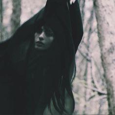 Segovia Amil S✧s Reloaded Segovia Amil, Tableaux Vivants, She Wolf, Photo D Art, Season Of The Witch, Dark Photography, The Villain, Dark Beauty, Black Magic