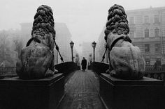 We present you Saint Petersburg in noir style. Our city is full of mysteries and… White Photography, Street Photography, Photography Music, A Darker Shade Of Magic, St Petersburg Russia, Picture Show, Old Photos, Mount Rushmore, Places To Go