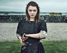 Game of Thrones Maisie Williams as Arya Stark Drawing Needle 8 x 10 inch photo Dessin Game Of Thrones, Game Of Thrones Arya, Game Of Thrones Facts, Game Of Thrones Funny, Maisie Williams, Cersei Lannister, Daenerys Targaryen, Game Of Thrones Wallpaper, Got Characters