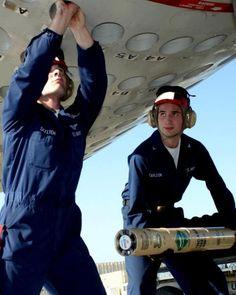 US Navy Aviation Ordnanceman- Jason Skelton Go Navy, Us Navy Ships, Flight Deck, 3c, Military Aircraft, Weapons, Pilot, Aviation, Space