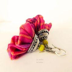 Boucles d'oreilles tissu Clochettes. Création Les Jardins de Kahlan.