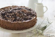 Receta sin horno de tarta de mousse de chocolate. Receta con fotos del a paso a paso y sugerencias de presentación. Consejos de elaboración....