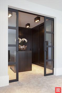 14 Walk In Closet Designs For Luxury Homes Closet Interior, Closet Bedroom, Master Closet, Black Interior Doors, Stylish Interior, Simple Interior, Walk In Closet Design, Closet Designs, Style At Home
