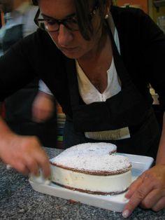 ...ainda 2 vagas para Pastelaria dia 10 de Janeiro das 10h às 13h. Saiba mais em: http://www.segredosdavo.pt/cms_sa/index.php/cursos/141-pastelaria