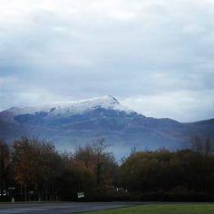 """21 mentions J'aime, 1 commentaires - Chérie côte Basque (@cheriecotebasque) sur Instagram: """"Le sommet de la Rhune sous la neige ce matin ! ❄☃️😍 #Neige #Rhune #Sare #PaysBasque #CoteBasque…"""""""