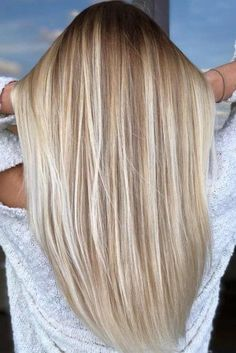50 platinum blonde hair tones and highlights for 2019 - Samantha .- 50 platinblonde Haartöne und Highlights für 2019 – Samantha Fashion Life 50 Platinum Blonde Hair Tones and Highlights for 2019 Platinum Blonde Highlights for Brown Hair – # Hair tones - Platinum Blonde Highlights, Platinum Blonde Hair Color, Blonde Hair Shades, Blonde Hair Looks, Balayage Hair Blonde, Brown Hair With Highlights, Blonde Hair Over 50, Blonde Straight Hair, Blonde Hair With Dark Roots