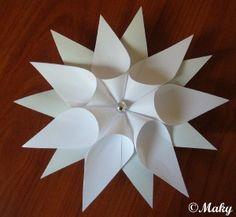 Vánoční nápady - Hvězdy z papíru - Hvězdy z papíru Origami Flowers, Diy Flowers, Paper Flowers, Red Christmas, All Things Christmas, Christmas Crafts, Christmas Decorations, Christmas Ornaments, Paper Art