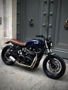 Vintage Honda Motorcycles, Triumph Motorcycles, Custom Motorcycles, Custom Bikes, Cars And Motorcycles, Triumph Bonneville, Triumph Scrambler, Triumph T120, Cafe Racer Bikes