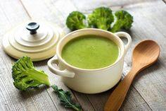 Suppen sind immer willkommen. Das Rezept für Brokkoli Suppe wärmt unseren Körper und spendet Kraft.