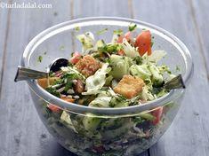 Fattoush Salad Recipe, Lebanese recipe, Middle Eastern Pita Salad recipe Lebanese Recipes, Spicy Recipes, Salad Recipes, Cooking Recipes, Lebanese Salad, Whole Wheat Pita Bread, Chicken Potatoes, Corn Salads, Salads