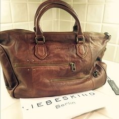 "HPLIEBESKIND - BERLIN  "" Esther double saddle "" Oh my gosh - what a beauty!! Thats a rare piece in style and quality!! Sooo soft leather and zippers they run like butter! Such a special brand to me - maybe also for you! Please feel free to ask what you like to know ! Liebeskind Bags"