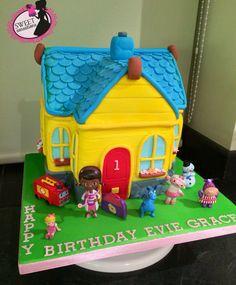 Doc mcstuffin cake