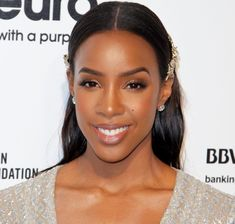 She's Bey's bestie, one third of Destiny's Child, and a Grammy Award-winning singer. But now she's adding beauty entrepreneur to her ever-growing resume, and we couldn't be more excited. Kelly Rowland is creating a makeup line for darker skin tones,… Black Bridal Makeup, Black Girl Makeup, Wedding Makeup Looks, Girls Makeup, Day Makeup, Bride Makeup, Makeup Tips, Makeup Ideas, Makeup Set