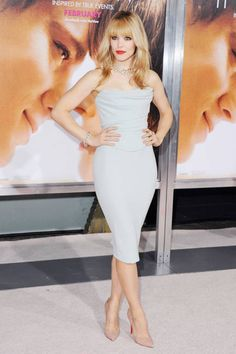 """Rachel McAdams in a Vivienne Westwood dress and Christian Louboutin pumps at the Los Angeles premiere of """"The Vow"""", 2012 Celebrity Beauty, Celebrity Red Carpet, Celebrity Style, Rachel Mcadams, Vivienne Westwood Kleider, Zendaya Dress, Star Fashion, Fashion Beauty, Sexy Dresses"""