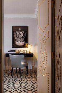 Love the nailhead pattern on the doors at the InterContinental London Park Lane, interior designed by HBA/Hirsch Bedner Associates Hba Design, Interior Decorating, Interior Design, Hotel Interiors, Home Office Decor, Home Decor, Best Interior, Interior Architecture, Design Inspiration