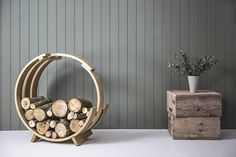 Giant Log Loop by Tom Raffield | uses steam to bend wood into inspired forms of nature.