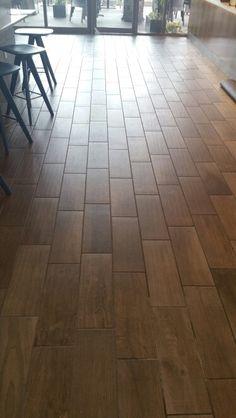 Porcelain tile from dal tile Wood Look Tile Floor, Faux Wood Tiles, Porcelain Wood Tile, Wood Tile Floors, Ceramic Floor Tiles, Kitchen Flooring, Kitchen Wood, Dal Tile, Home Renovation
