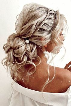 42 Boho Inspired Unique And Creative Wedding Hairstyles ❤ creative unique wedding hairstyles low volume bun with curls on blonde hair kristina_fedorov. 42 Boho Inspired Unique And Creative Wedding Hairstyles Wedding Hairstyles For Long Hair, Wedding Hair And Makeup, Prom Hairstyles, Christmas Hairstyles, Wedding Hair Blonde, Country Wedding Hairstyles, Bridesmaid Hairstyles, Boho Wedding Hair Updo, Prom Hair Updo