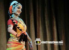 Dance Photo Shoot, Dance Photos, Indian Classical Dance, Sari, Photoshoot, Poses, Google Search, Fashion, World