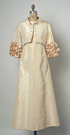 Balenciaga, 1964. Silk evening ensemble worn by Jayne Wrightsman