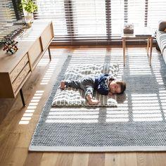 Japanese Style Bedroom, Japanese Home Decor, Japanese House, Living Room Blinds, Living Room Decor, Cozy Room, Scandinavian Interior, Home And Garden, House Design