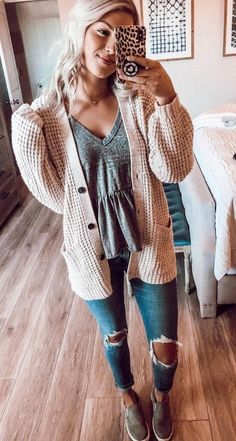 Long-sleeved leggings, autumn-style women Source by hagenesdakota casual para gorditas Cute Fall Outfits, Fall Winter Outfits, Trendy Outfits, Winter Clothes, Cold Spring Outfit, Cute Hippie Outfits, Cute Cardigan Outfits, Summer Outfits, Cute Comfy Outfits
