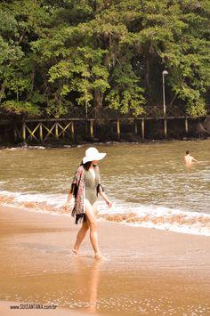 Maiô... Quimono... Praia... Chapéu de praia...
