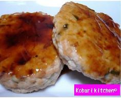 tofu burger ヘルシー♥豆腐ハンバーグ (tofu, ground beef, scallion) Tofu Burger, Bento, Ground Beef, Baked Potato, Mashed Potatoes, Muffin, Breakfast, Ethnic Recipes, Holidays