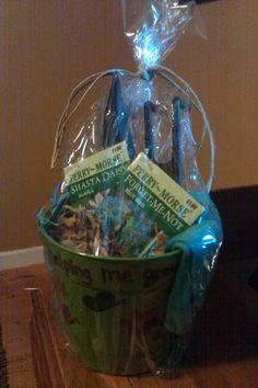Teacher end of the year gift. Flower Seeds, Flower Pots, Fun Gifts, Best Gifts, Basket Ideas, Teacher Appreciation, Homemade Gifts, Teacher Gifts, Kid Stuff