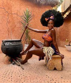 Nothing like a Melanated Goddess! I Love Black Women, Pretty Black Girls, Beautiful Black Girl, Black Girl Art, Black Women Art, Black Girl Magic, Beautiful African Women, Beautiful Dark Skinned Women, African Beauty