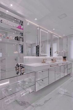 Luxury Homes Dream Houses, Dream House Interior, Dream Home Design, Modern House Design, Home Interior Design, Dream Bathrooms, Dream Rooms, Bathroom Design Luxury, Luxury Kitchen Design