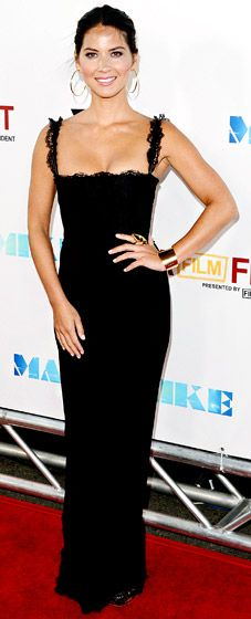 Olivia Munn, love this black D dress