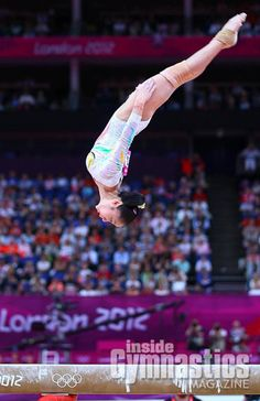 Deng Linlin- 2012 Olympic Champion on Beam... Look at that body positioning!