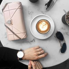 いいね!100件、コメント9件 ― Tag Your Lattes + Pursesさん(@coffeeandhandbags)のInstagramアカウント: 「but first, coffee ☕️ ✖️ photo by @gracejayde  #coffeeandhandbags」