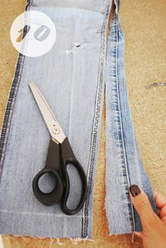 DIY SKINNY JEANS by Adri VelBac | Project | Sewing / Pants & Shorts | Kollabora