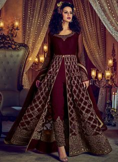 ✓ Buy the latest designer Anarkali suits at Lashkaraa, with a variety of long Anarkali suits, party wear & Anarkali dresses! Party Wear Indian Dresses, Designer Party Wear Dresses, Indian Gowns Dresses, Indian Fashion Dresses, Kurti Designs Party Wear, Dress Indian Style, Indian Designer Outfits, Indian Wedding Outfits, Bridal Outfits