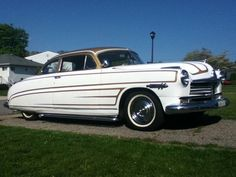 1949 custom Hudson Hornet - Don't like all the stupid looking stripes? Repaint!