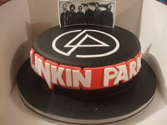 "LINKIN PARK Cake (To my mom) ""Hey, mom! Can you make this for my birthday or something?"""