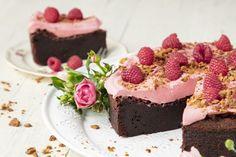 Maailman paras suklaakakku - mudcake Baking Recipes, Cake Recipes, Dessert Recipes, Sweet Bakery, Sweet Pastries, Little Cakes, Food Platters, Sweet And Salty, No Bake Desserts