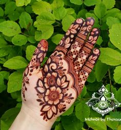 Easy and Simple Mehndi Designs That You Should Try In 2020 Basic Mehndi Designs, Rose Mehndi Designs, Khafif Mehndi Design, Henna Art Designs, Mehndi Designs For Girls, Stylish Mehndi Designs, Mehndi Designs For Beginners, Dulhan Mehndi Designs, Mehndi Design Photos