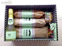 Lola Wonderful_Blog: Cumple para llevar: versión Gentelman Picnic Bridal Showers, Lola Wonderful, Celebration Box, Bussines Ideas, Themed Gift Baskets, Birthday Box, Exploding Boxes, Ideas Para Fiestas, Gift Packaging