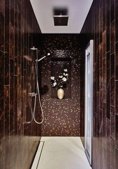 15 Sophisticated Home Decor Ideas By Eric Kuster To Copy This Fall | Decorating Ideas. Interior Design Inspiration. Bathroom Decor. #homedecor #interiordesign #erickuster Find more at: https://www.brabbu.com/en/inspiration-and-ideas/interior-design/sophisticated-decorating-ideas-eric-kuster-copy-fall